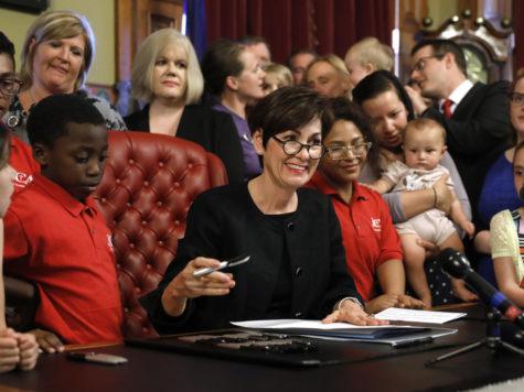 Iowa passes fetal heartbeat law