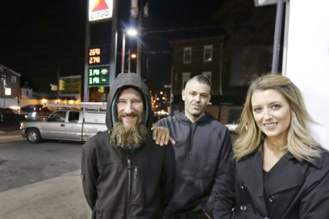 Homeless veteran sues couple for stealing money