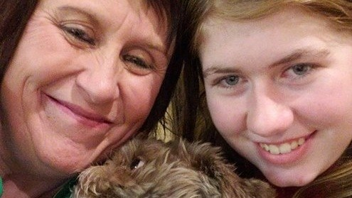 Jayme Closs and her aunt and guardian, Jennifer Smith, in a selfie taken Friday, Jan. 11, 2019. (Courtesy of Jennifer Smith)