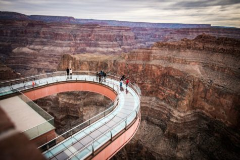 Tourist jumps from Skywalk
